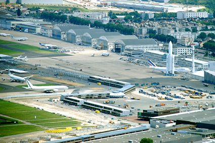 Book Taxi Bourget Airport (LBG)